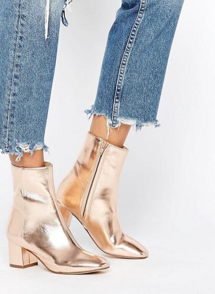 metallic_boots_gold