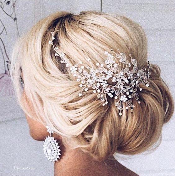 Blonde Hair Wedding Hair Style: Effortless Bridesmaid Upstyles!