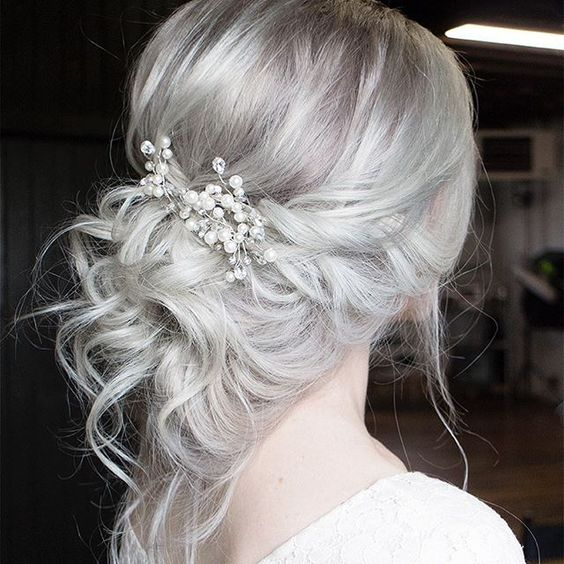 Effortless Bridesmaid Upstyles: Bridal Hair Accessories!
